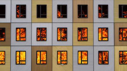Массажная студия загорелась в Кузбассе из-за источника открытого огня